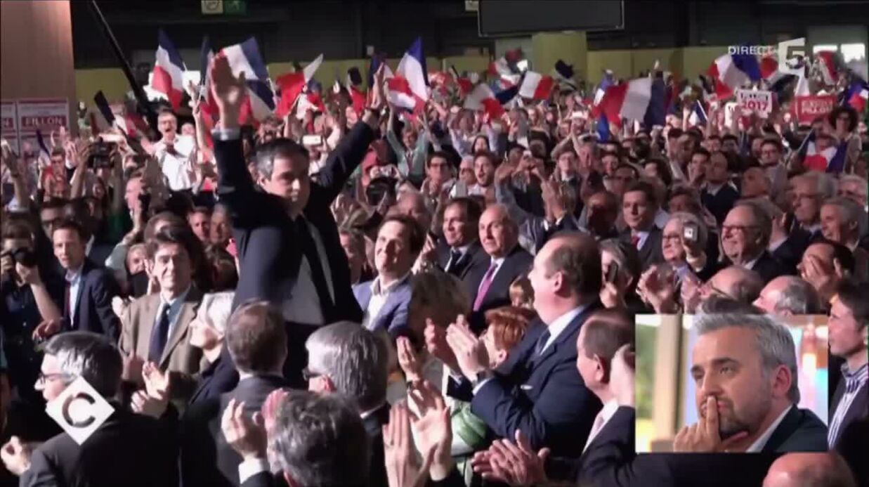 VIDEO En meeting, François Fillon et sa femme Pene­lope s'ignorent roya­le­ment au moment des salu­ta­tions