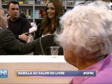 Nabilla la biographie de nabilla avec for Salon du digital