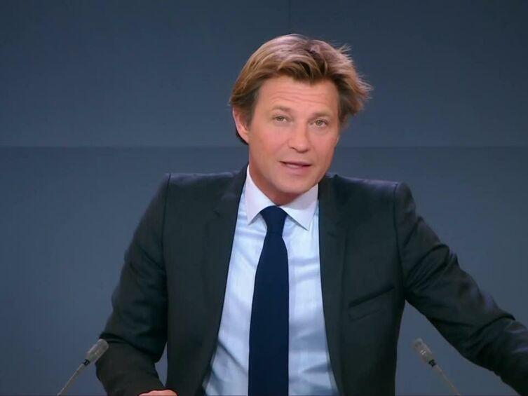 Video laurent dela housse face une s rie de probl mes for Laurent de la housse