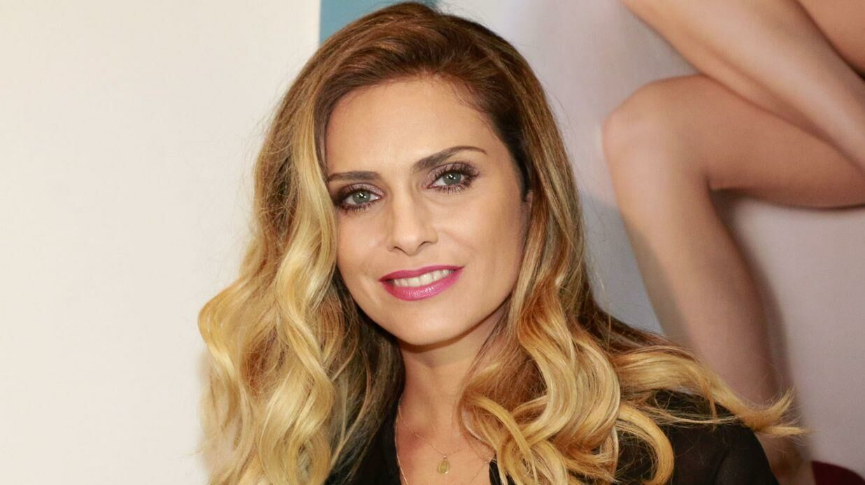PHOTO Clara Morgane nue sous un body trans­pa­rent, elle affole la toile