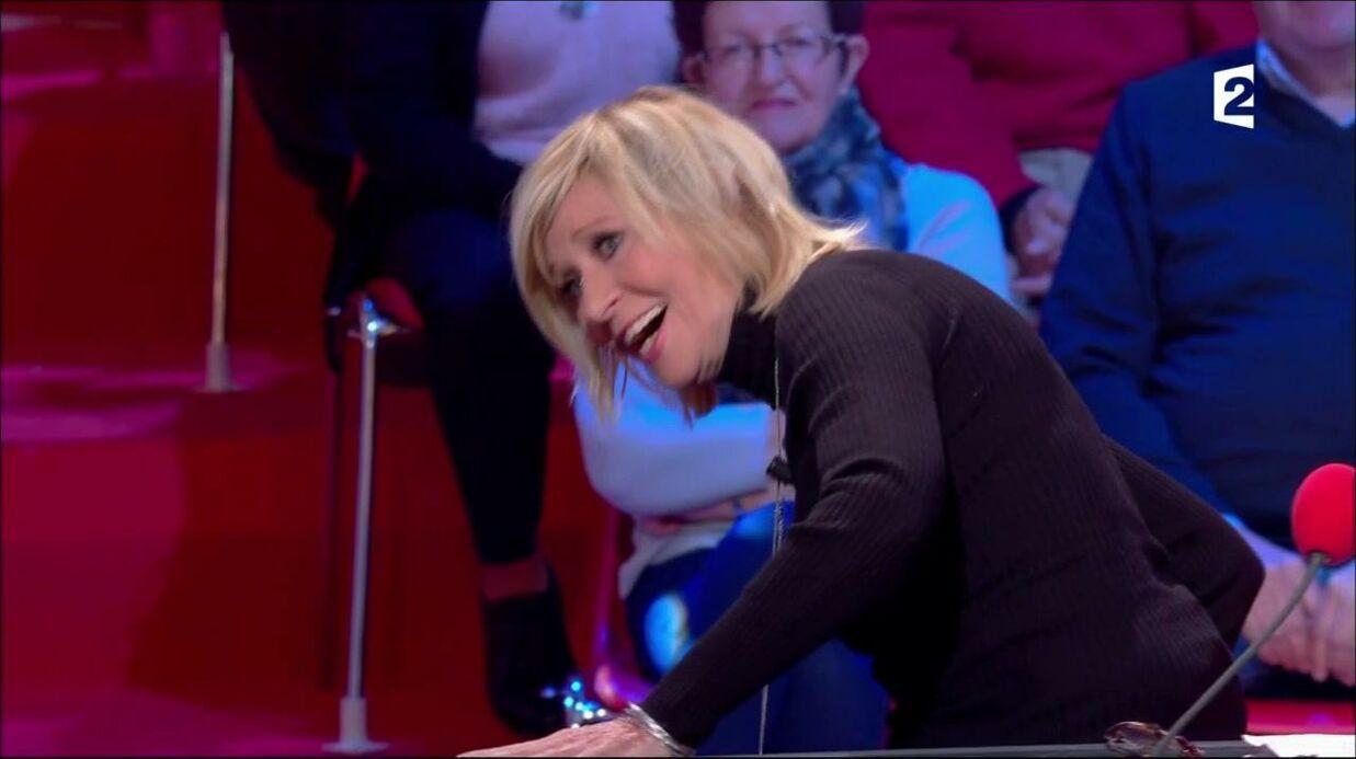 VIDEO Chantal Ladesou chute et provoque un fou rire