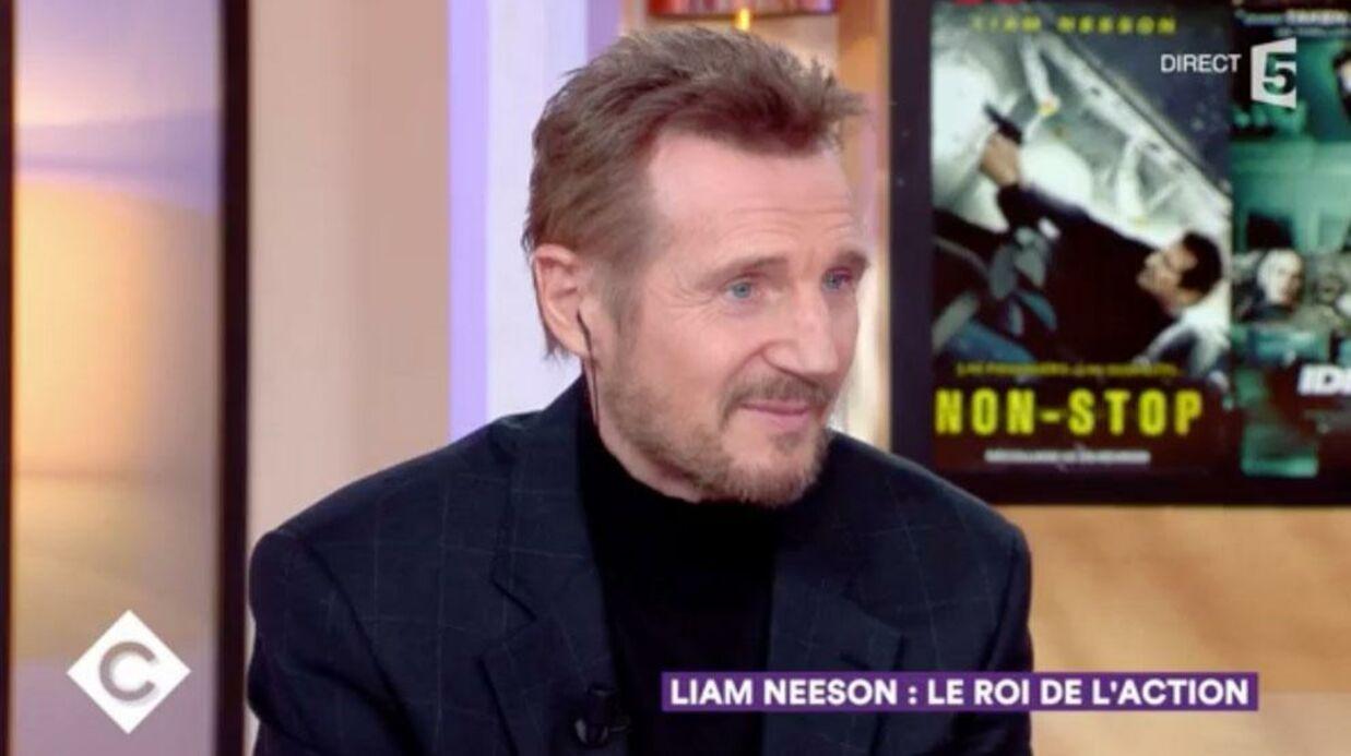VIDEO Love Actually: Liam Neeson révèle pourquoi il n'a pas pu embrasser Claudia Schiffer