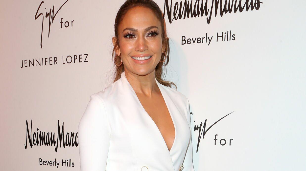 PHOTO Jennifer Lopez montre ses fesses sur Instagram