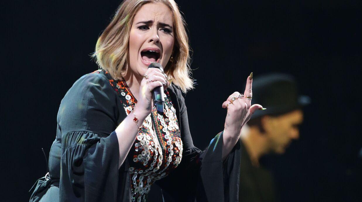 Adele ne communique plus qu'avec des signes pour préserver sa voix