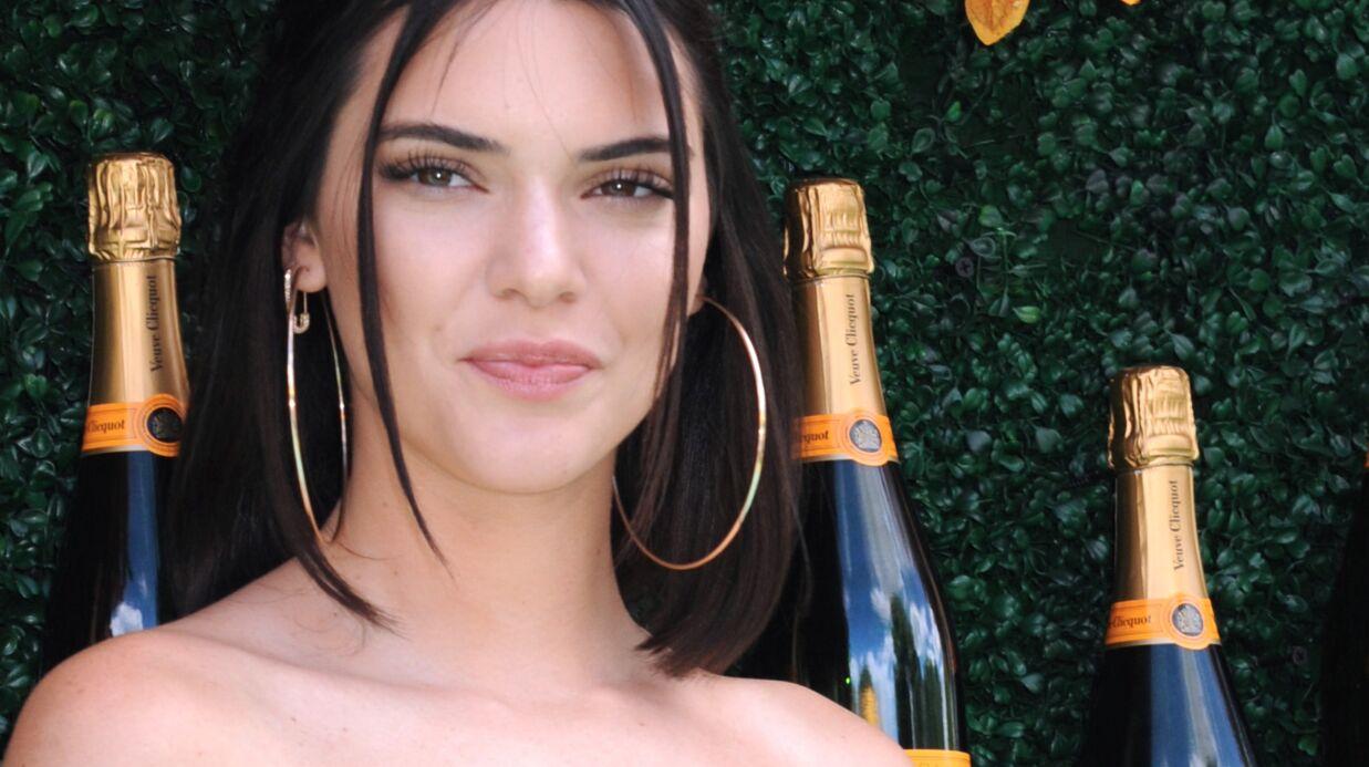 PHOTO Kendall Jenner en crop top et tanga en dentelle affiche un underboobs très sexy