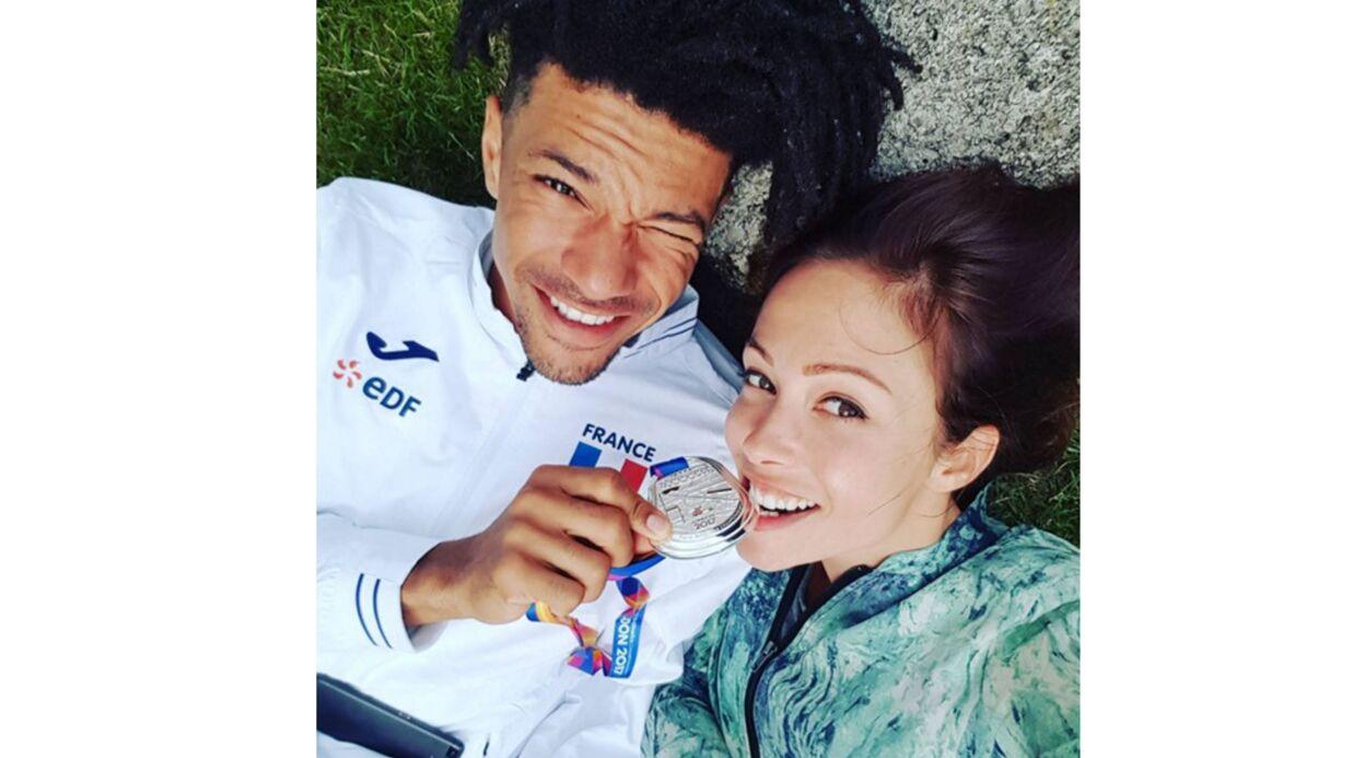 PHOTO Dounia Coesens (Plus belle la vie) pose avec son chéri, le champion Arnaud Assoumani