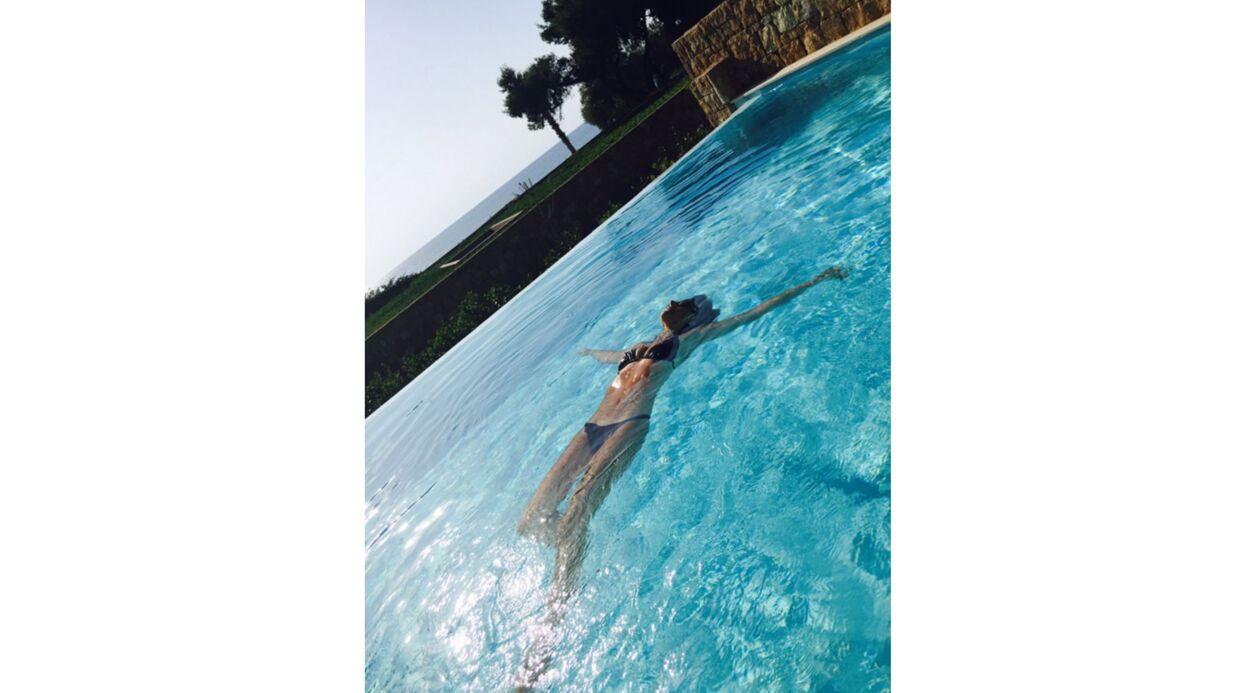 PHOTO Faustine Bollaert: sublime en bikini, elle profite de ses vacances en famille
