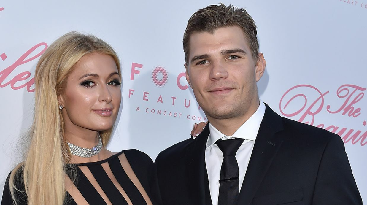 Paris Hilton : Folle amou­reuse de Chris Zylka, elle pense déjà au mariage