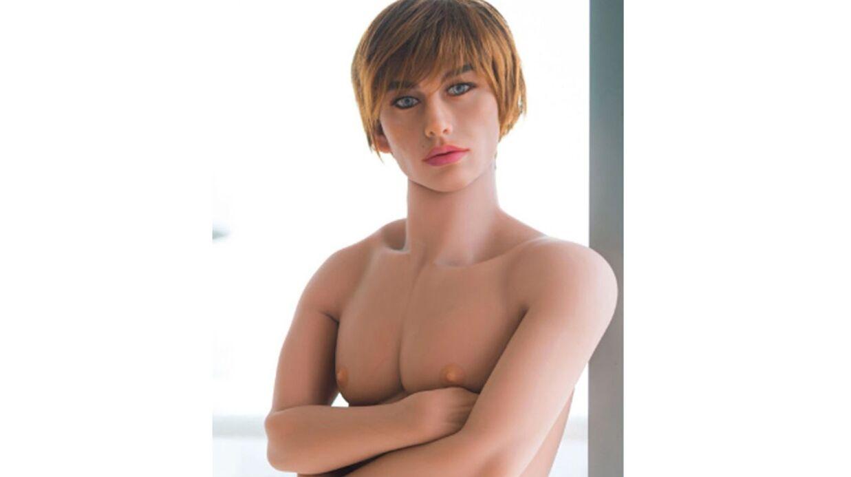 Justin Bieber a une poupée gonflable à son effigie ( elle est TRES MOCHE)