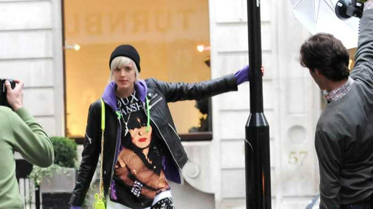 LOOK Agyness Deyn en séance photo à Londres