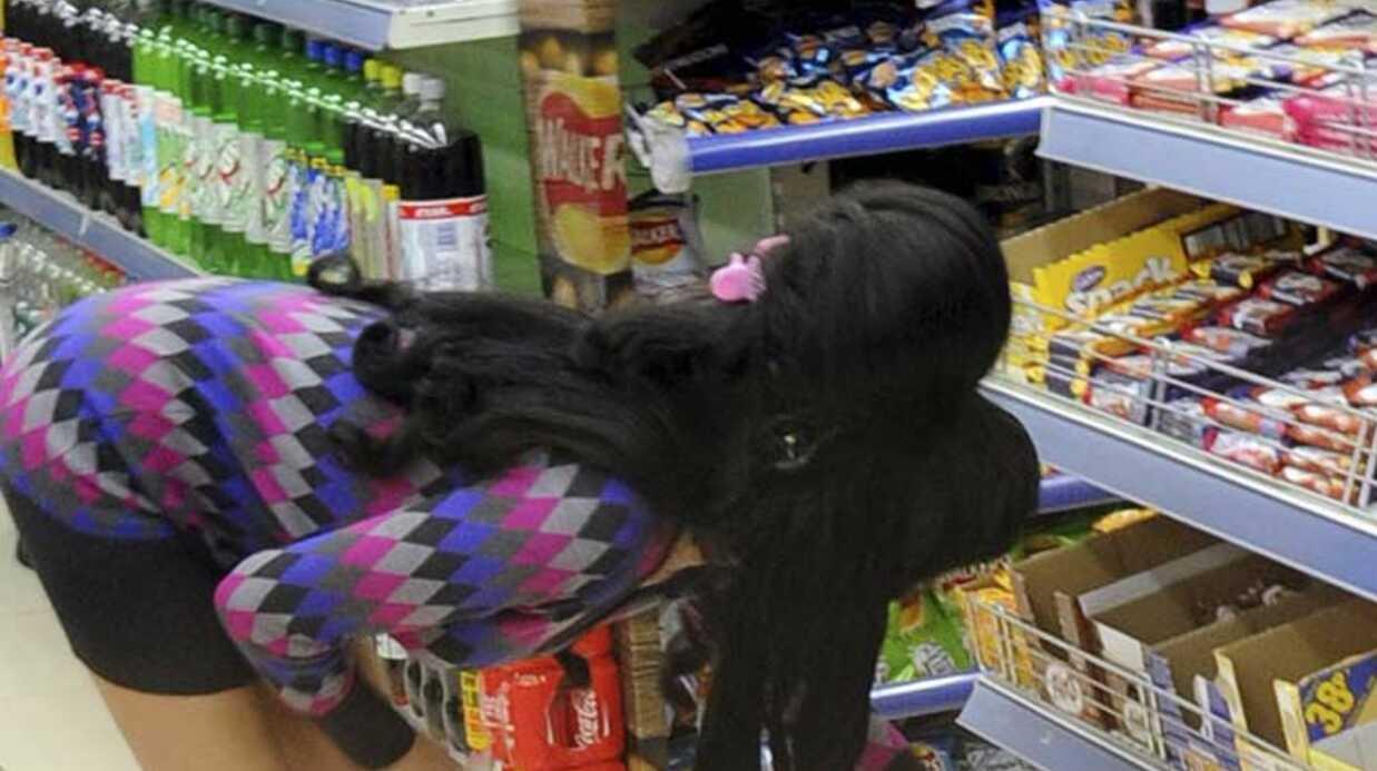 PHOTOS Amy Winehouse découvre son nouveau quartier