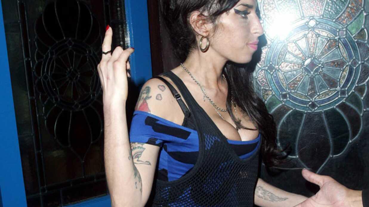 PHOTOS Amy Winehouse dans un état second