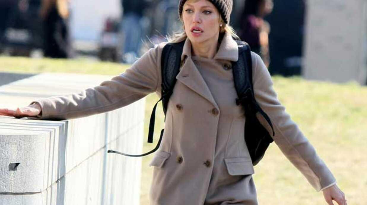 PHOTOS Angelina Jolie tourne le film Salt, en blonde
