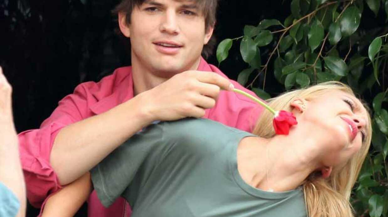 PHOTOS Ashton Kutcher et Jessica Alba se taquinent