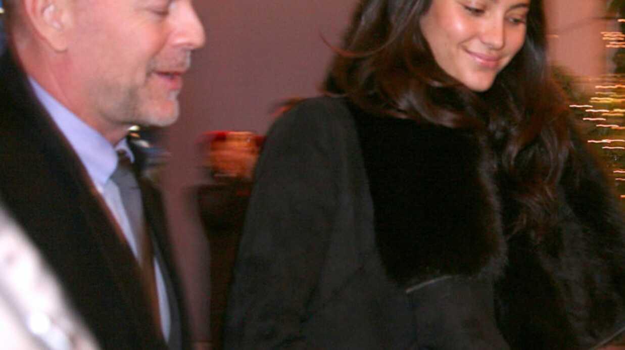 PHOTOS – Le bal des débutantes: Bruce Willis soutient sa fille