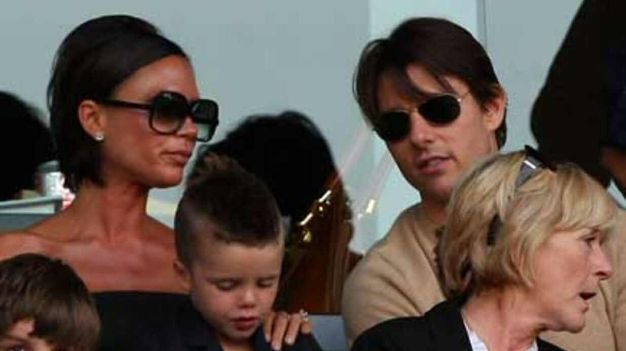 PHOTOS  Victo­ria Beck­ham et Tom Cruise en suppor­ters chics