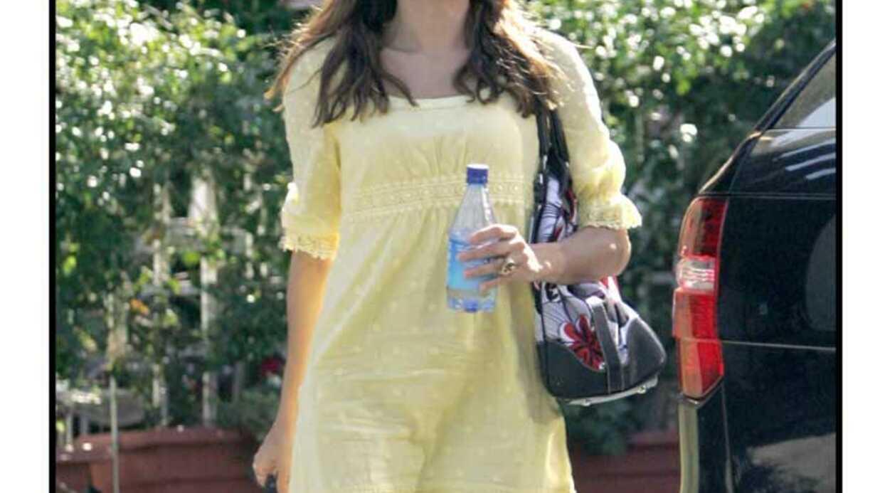 LOOK: Les stars ne sortent jamais sans leur bouteille d'eau