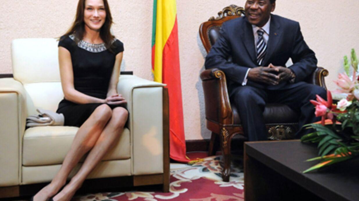 PHOTOS Carla Bruni-Sarkozy en solo au Bénin
