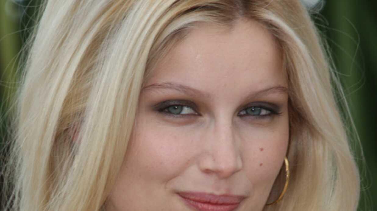 PHOTOS La sexy Laëtitia Casta fait son cinéma à Cannes