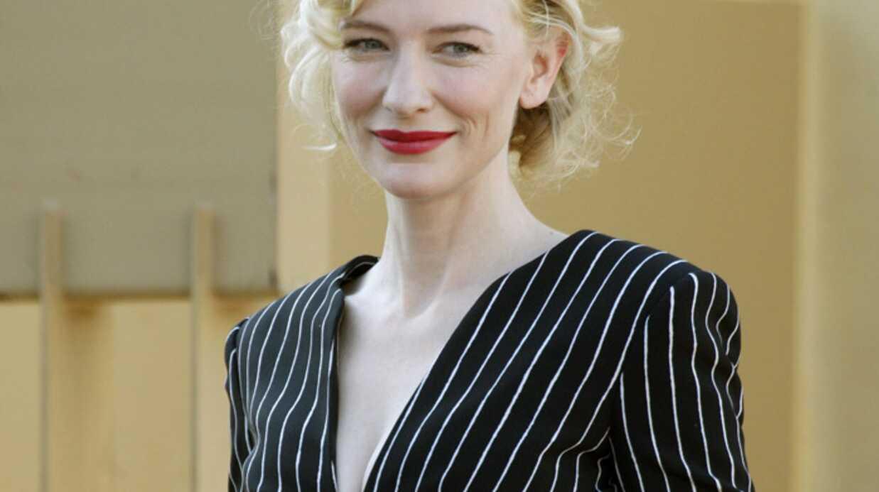 PHOTOS: Cate Blanchett étoilée sur Hollywood Boulevard