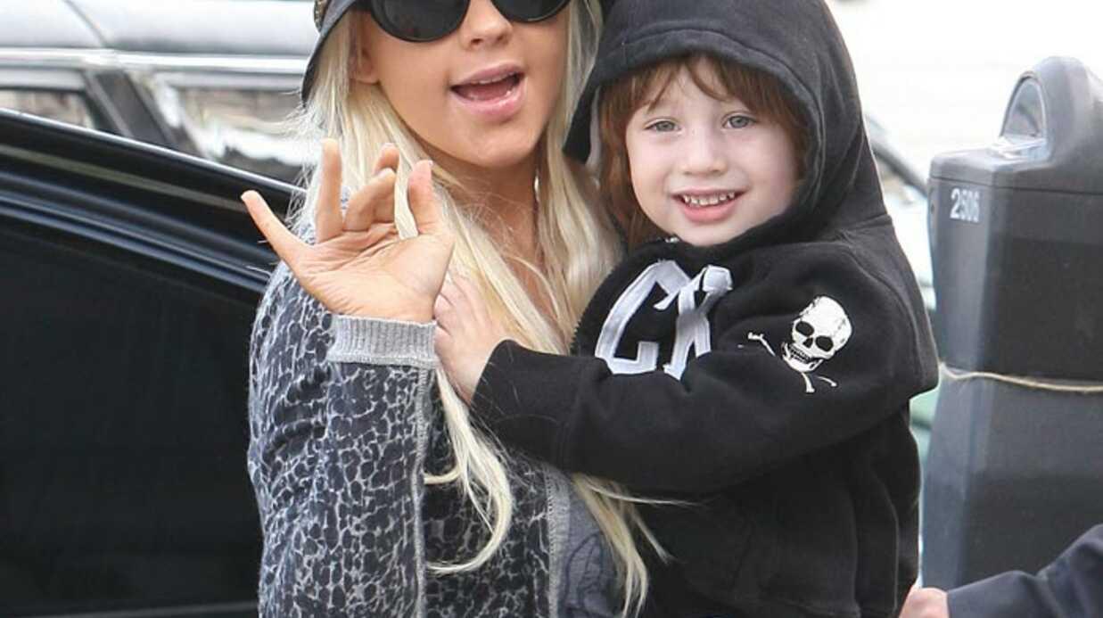 PHOTOS Christina Aguilera protège Max de son divorce