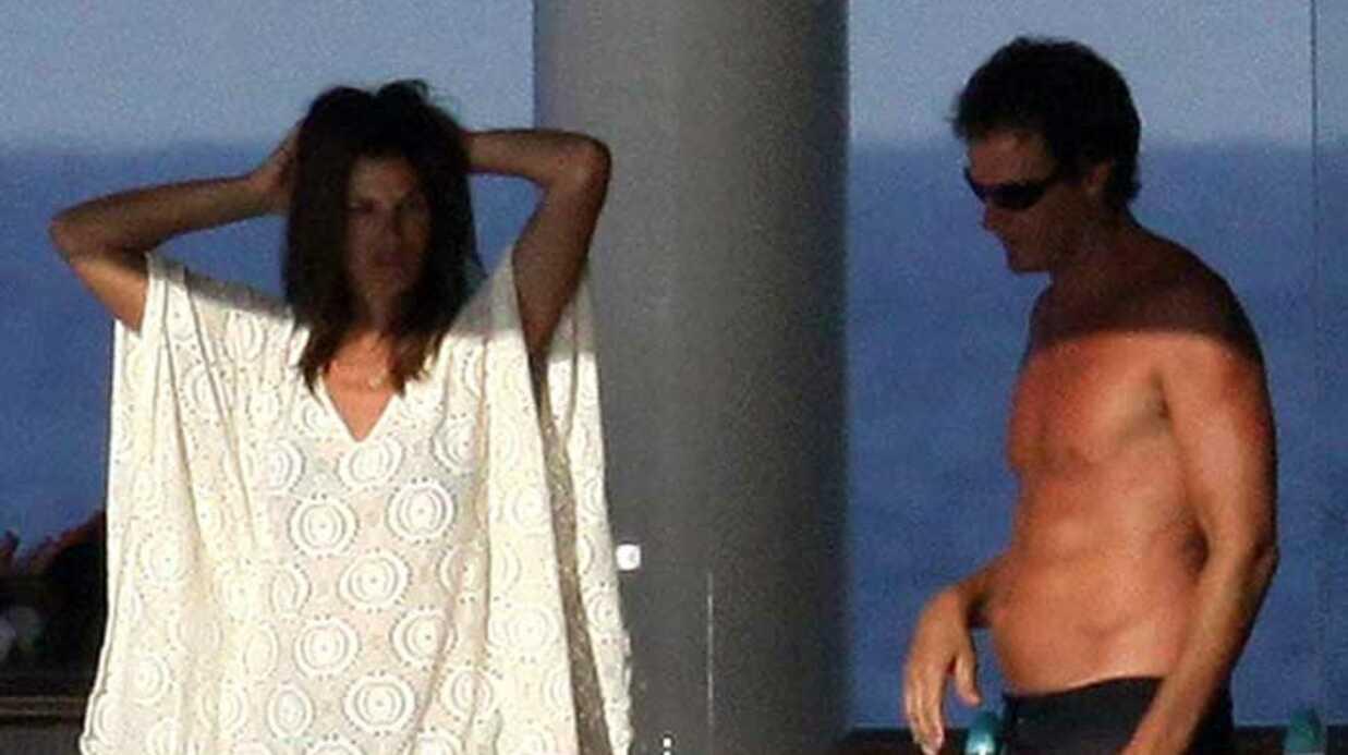 PHOTOS Cindy Crawford passe des vacances sans George Clooney