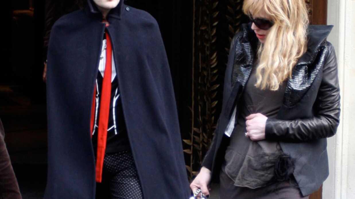 Courtney Love  Noir c'est noir…