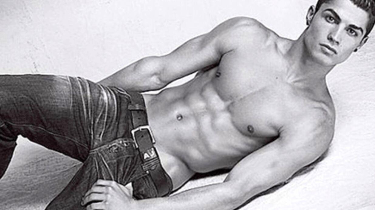 PHOTOS: Après Megan Fox, Cristiano Ronaldo sexy pour Armani