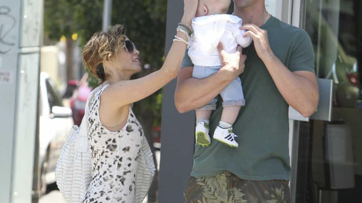 PHOTOS Dannii Minogue inséparable de son bébé