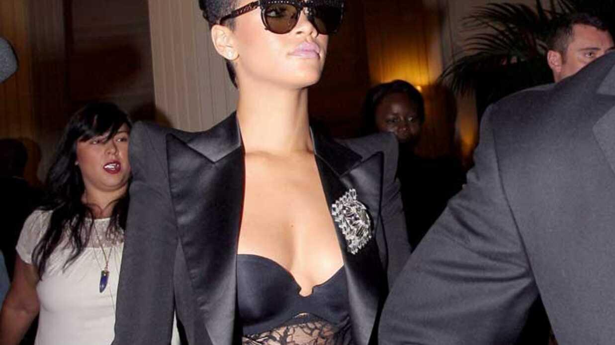 PHOTOS Rihanna crée l'émeute au défilé Balmain