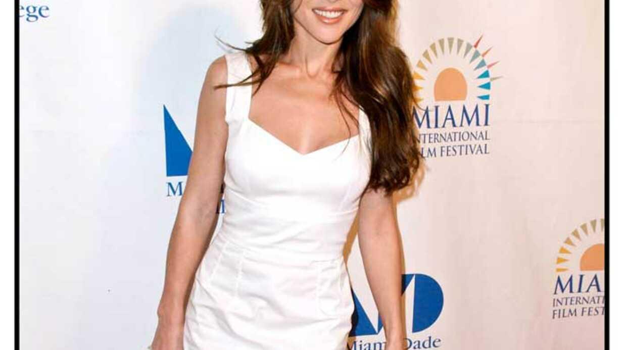 LOOK Elsa Pataky: top glamour au Festival de Miami
