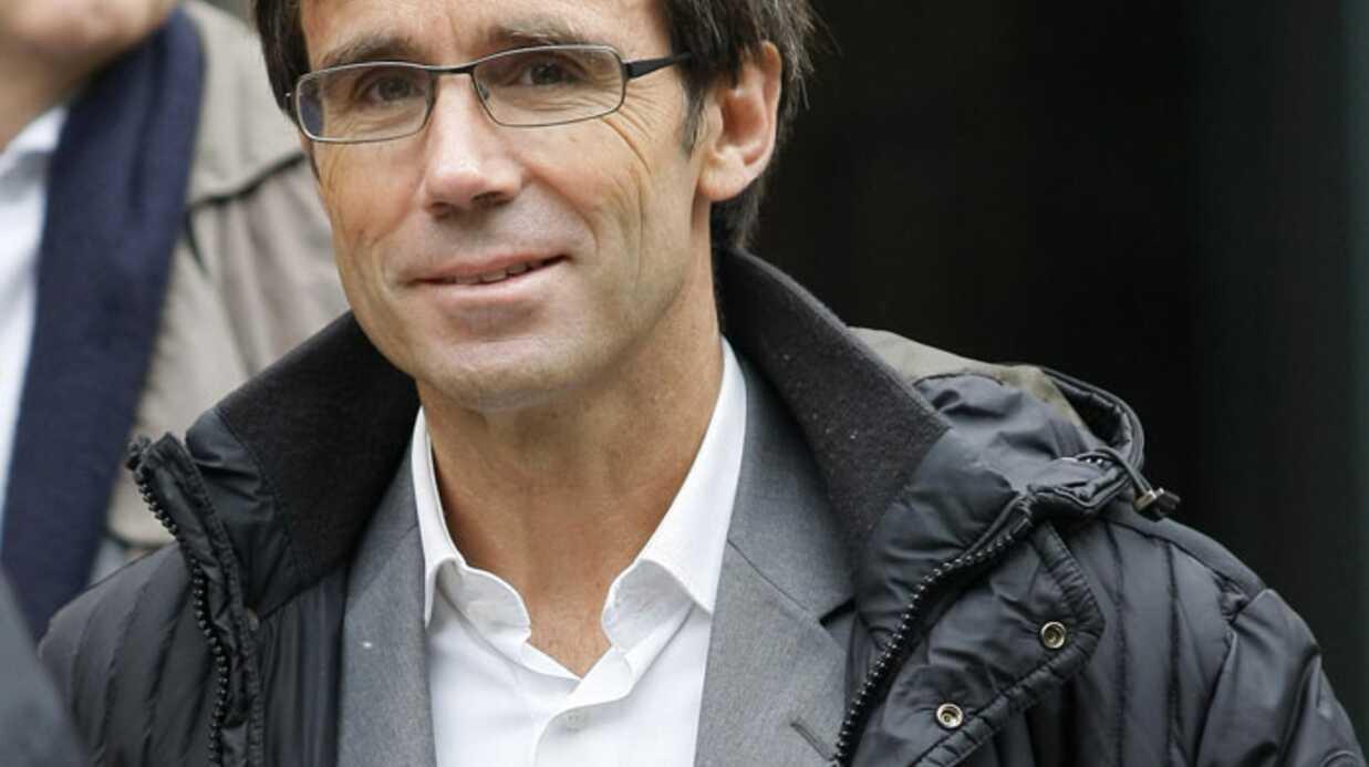Journalistes et politiques aux obsèques de Pierre-Luc Séguillon