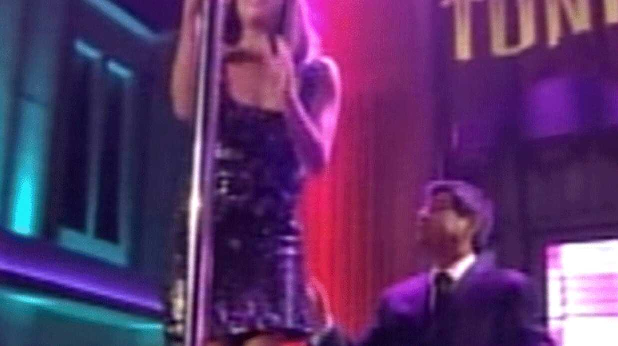 PHOTOS Eva Longoria est nulle en pole dance
