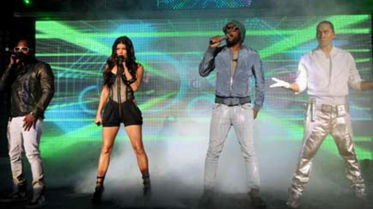 PHOTOS Les Black Eyed Peas mettent le feu