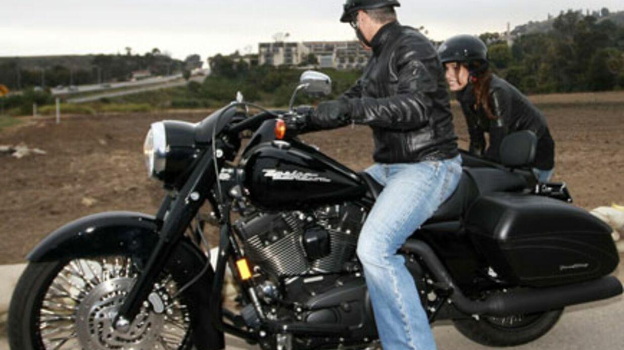 PHOTOS George Clooney et Elisabetta Canalis s'offrent une virée en moto