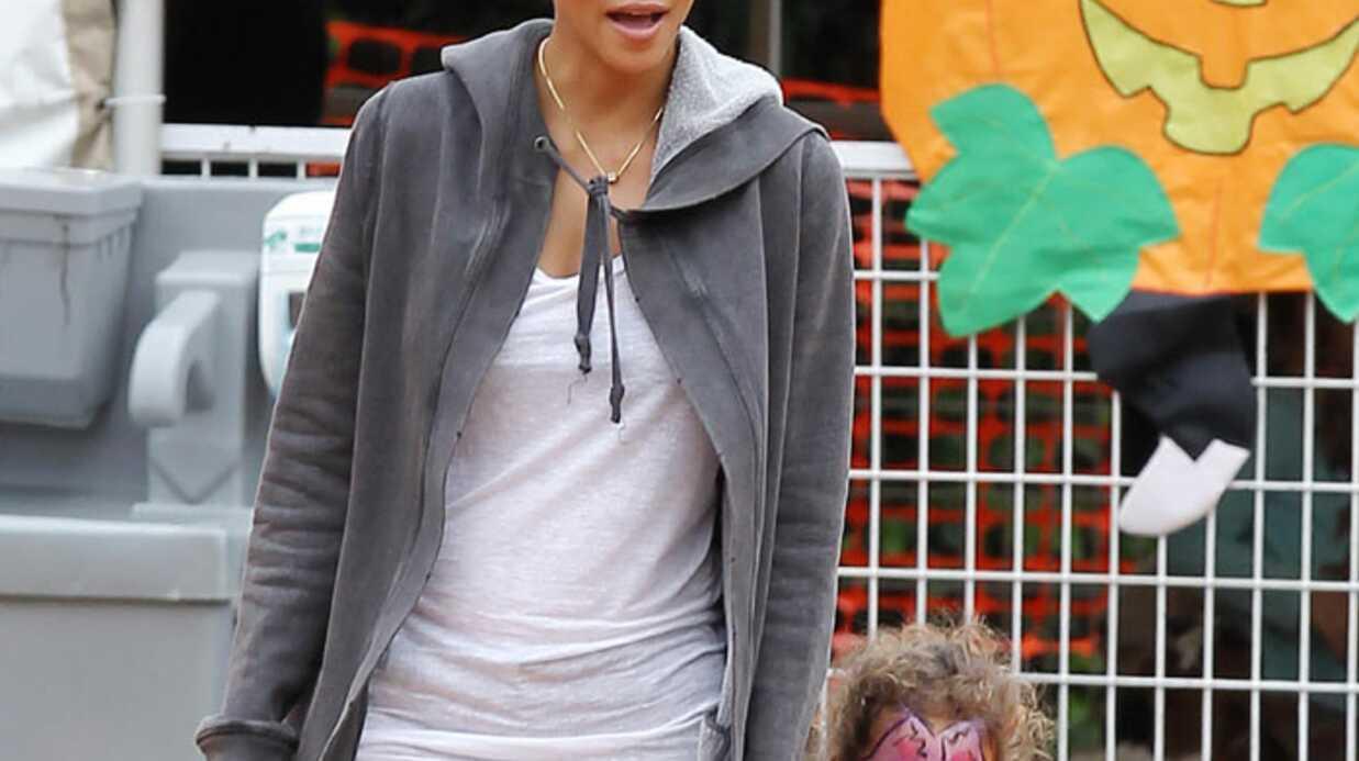 PHOTOS Halle Berry prépare Halloween avec sa fille Nahla