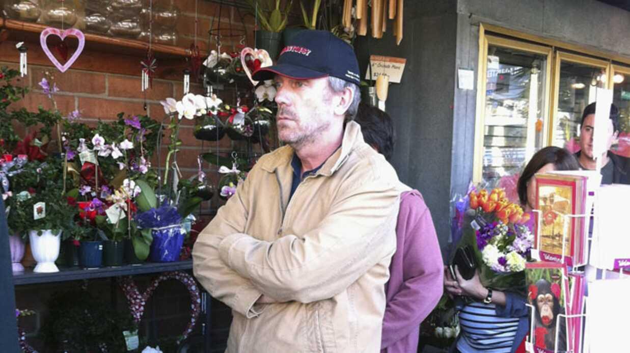 PHOTOS Hugh Laurie chez le fleuriste pour la St-Valentin