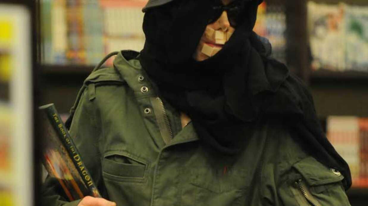 Michael Jackson Tiens, il a revu son chirurgien!