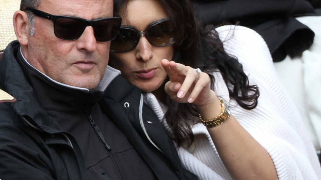 PHOTOS Jean Reno couve sa femme enceinte à Roland Garros