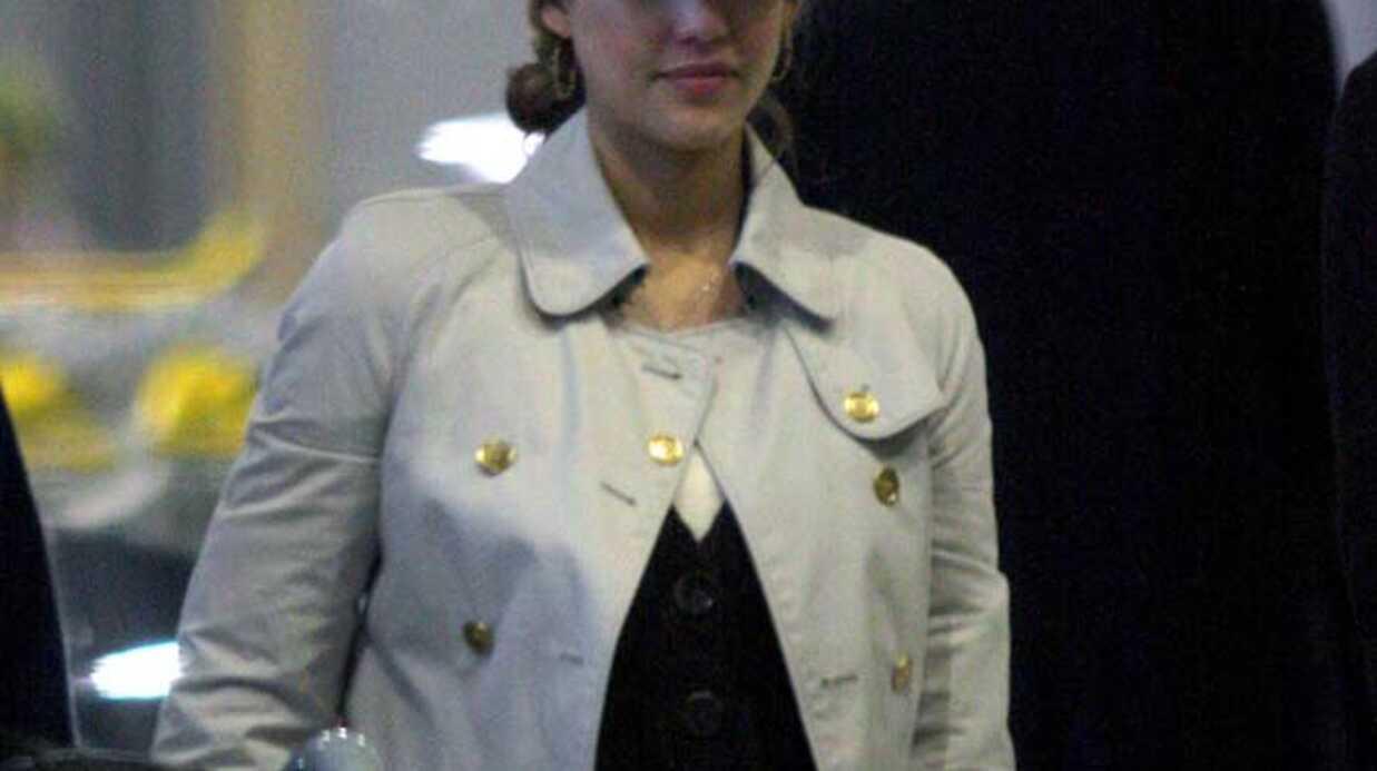 Jessica Alba En solo à Paris