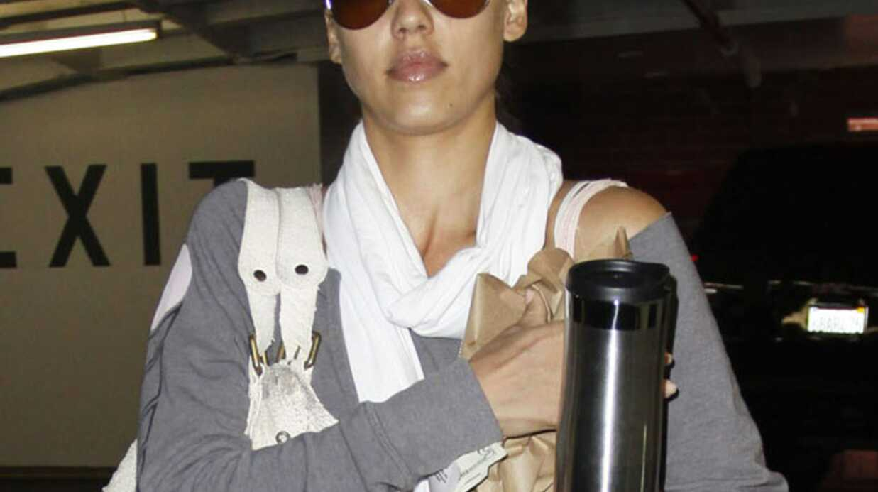 LOOK Jessica Alba jamais sans son sac en python