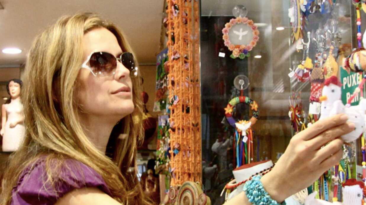 PHOTOS Enceinte, Madame John Travolta fait du shopping