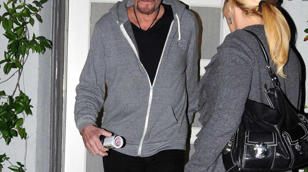 PHOTOS Johnny Hallyday sort de chez le coiffeur