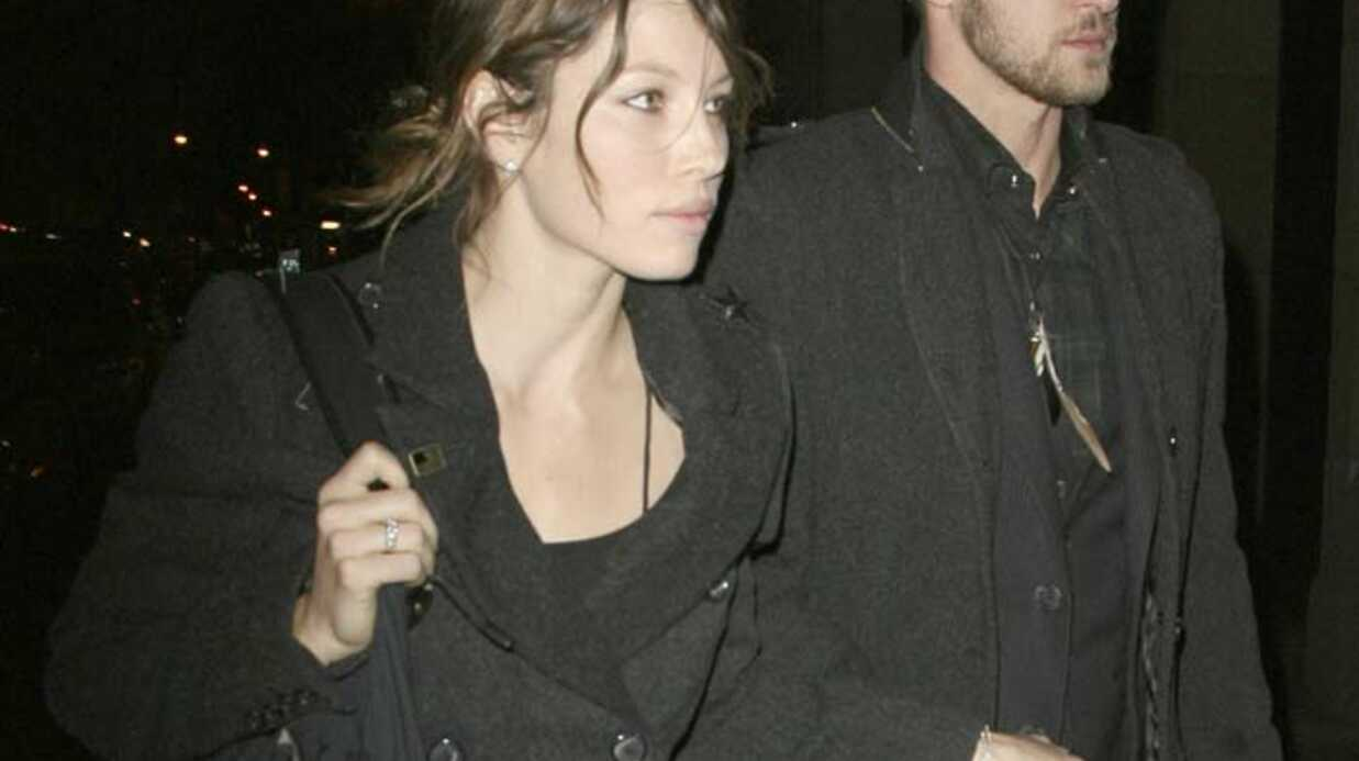 PHOTOS Jessica Biel scot­chée à Justin Timber­lake en plein New York