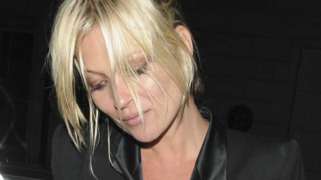 PHOTOS Kate Moss encore très éméchée!