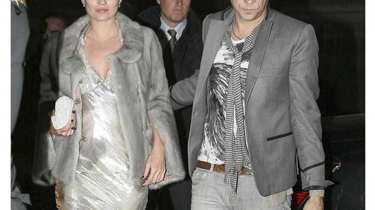 PHOTOS Kate Moss et Jamie Hince en duo de gris à Paris