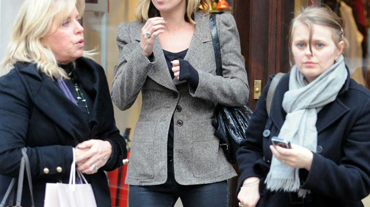 PHOTOS Kate Moss fait son shop­ping à Londres