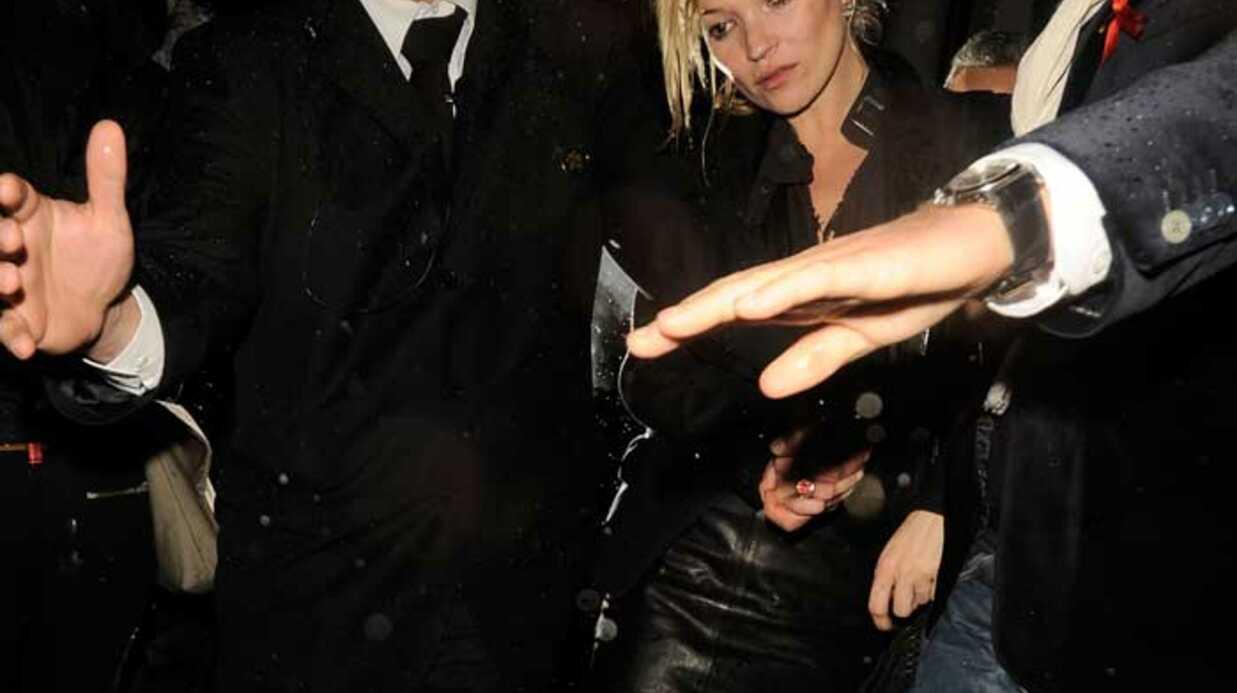 PHOTOS Kate Moss a passé une nuit très arrosée