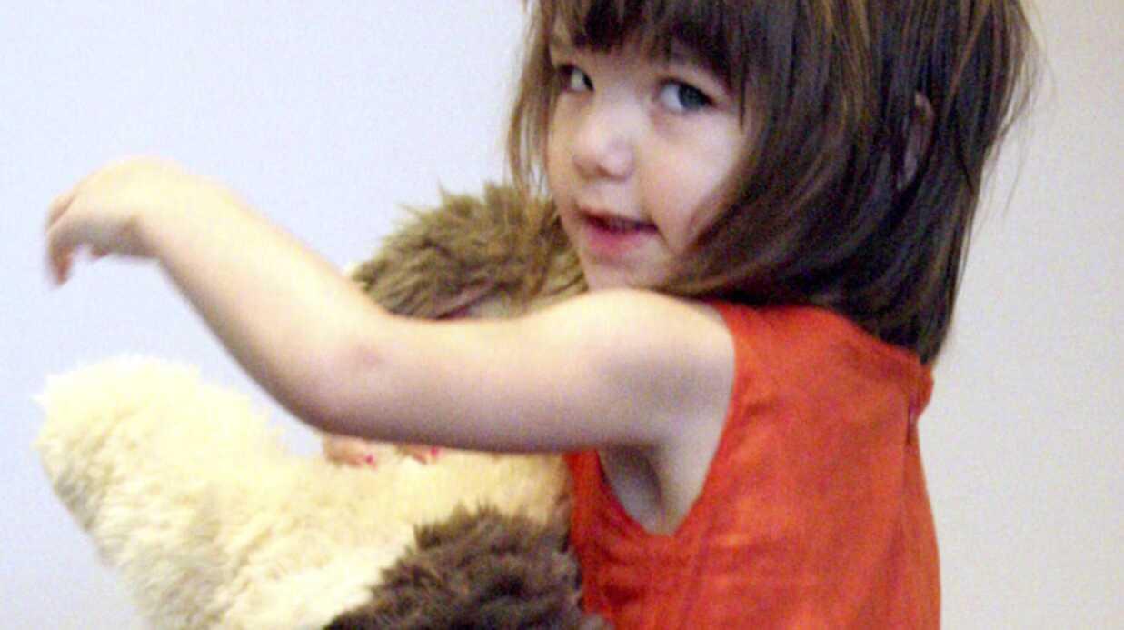 Katie Holmes joue à la poupée avec sa fille Suri