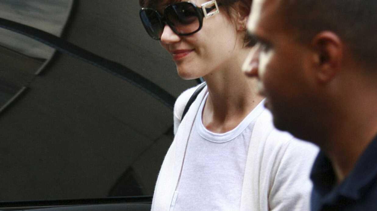 Katie Holmes relookée par sa copine Victoria Beckham